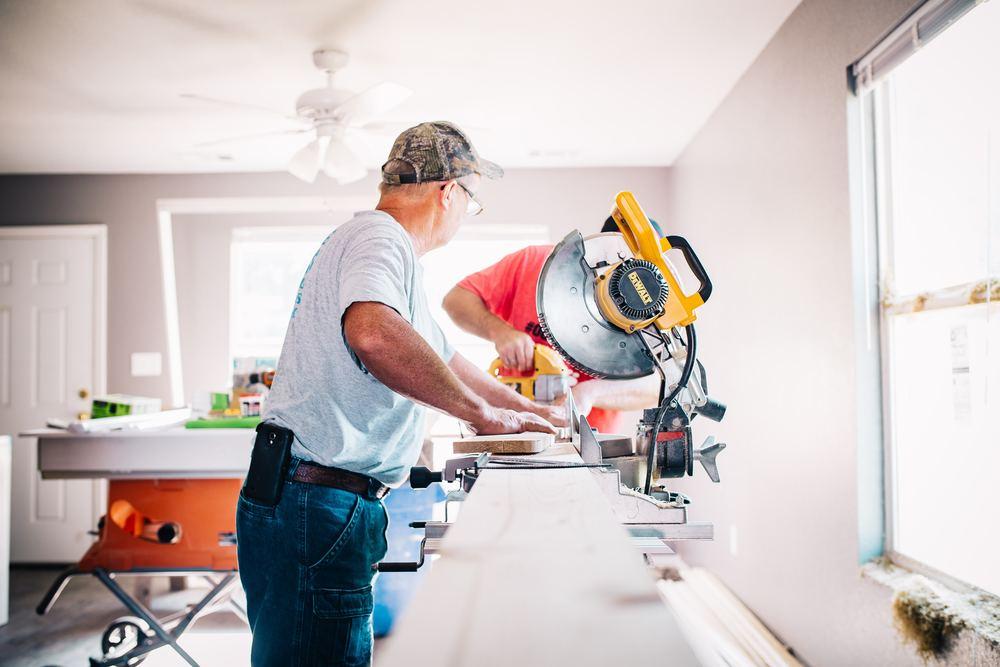 Find den rette tømrer til renoveringsopgaver