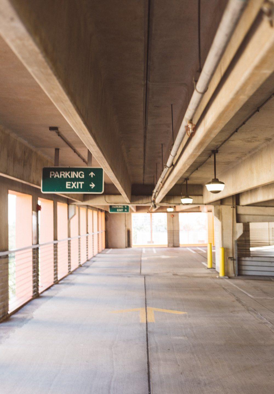 Gør det lettere for dit personale og kunder med parkeringsservice